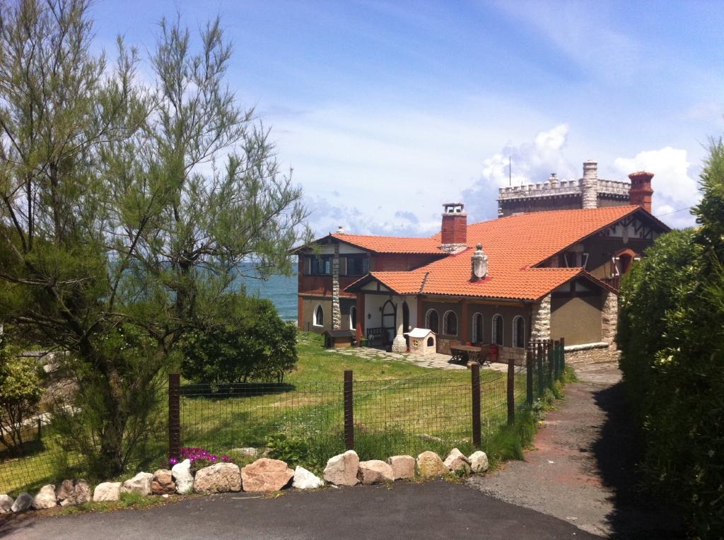 Villa de lujo mansion espa a vizcaya sopelana venta for Villas de lujo en madrid